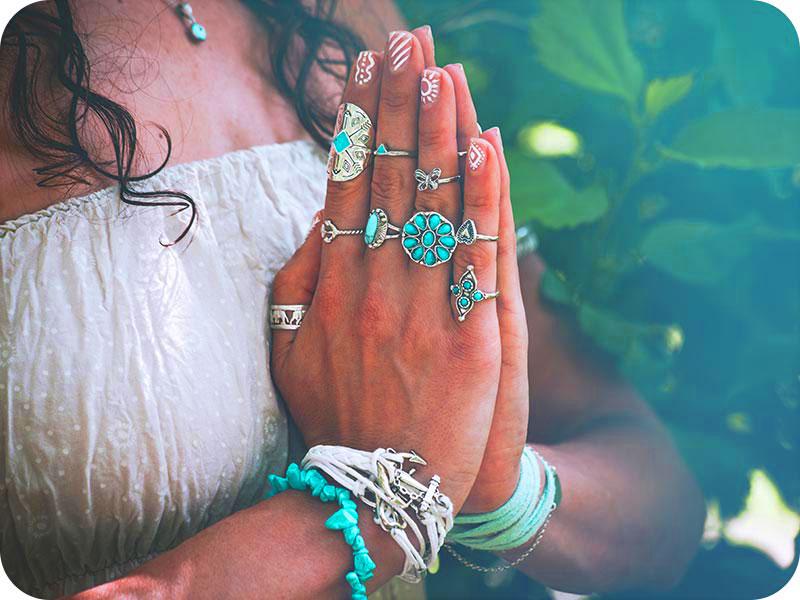 shutterstock 1106636489 coka klein - Wiederentdeckung der weiblichen Spiritualität