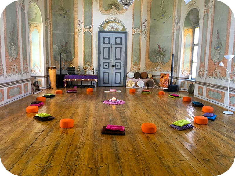 Schlossschule - Lomi von Frau zu Frau
